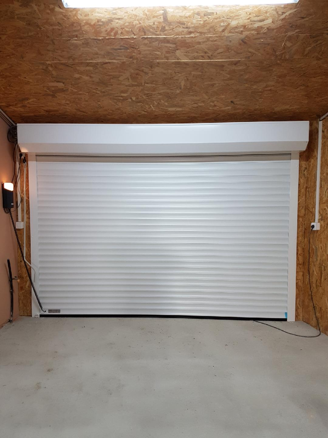 PORTE GARAGE ENROULABLE INTERIEUR copie